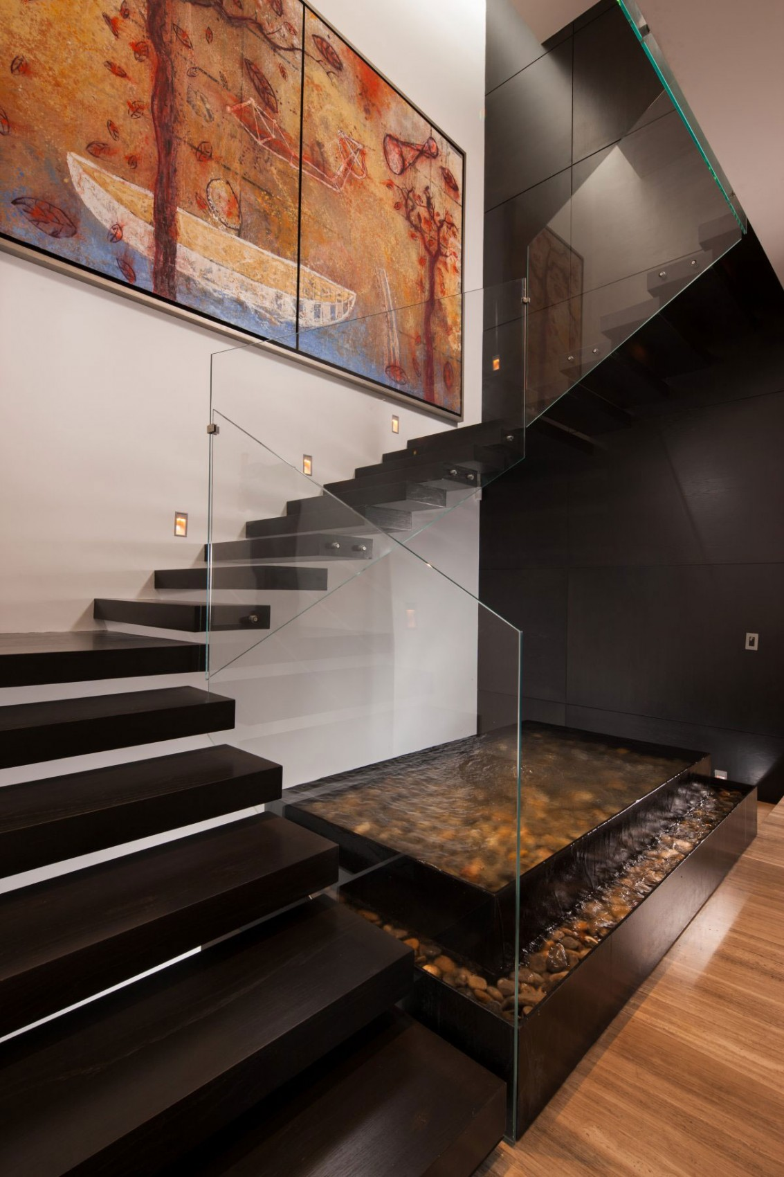 Деревянная лестница в интерьере - Фото 10