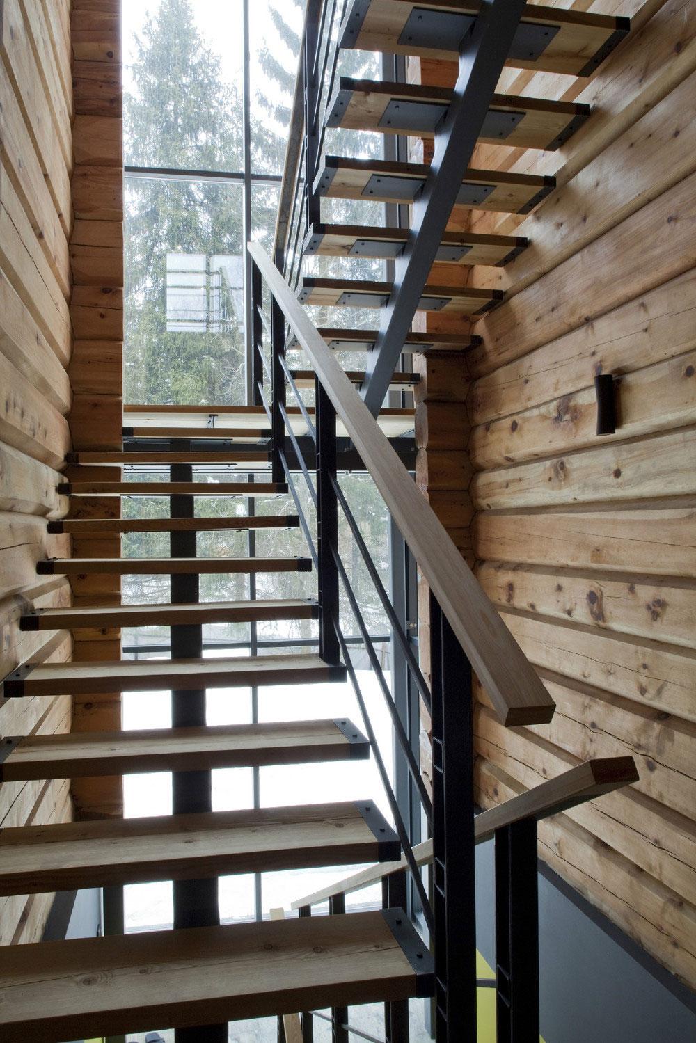Деревянная лестница в интерьере - Фото 13