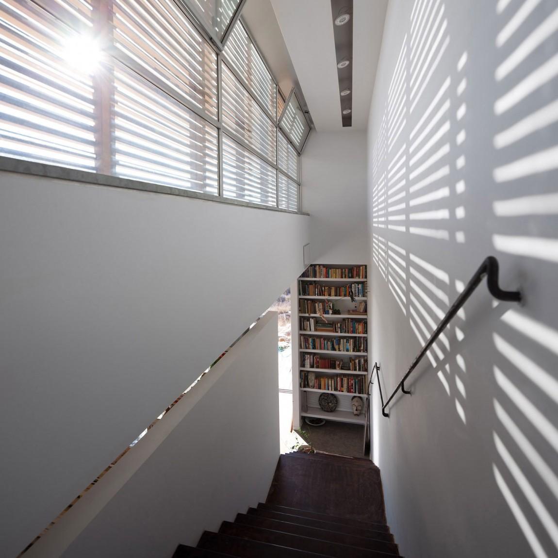 Деревянная лестница в интерьере - Фото 20