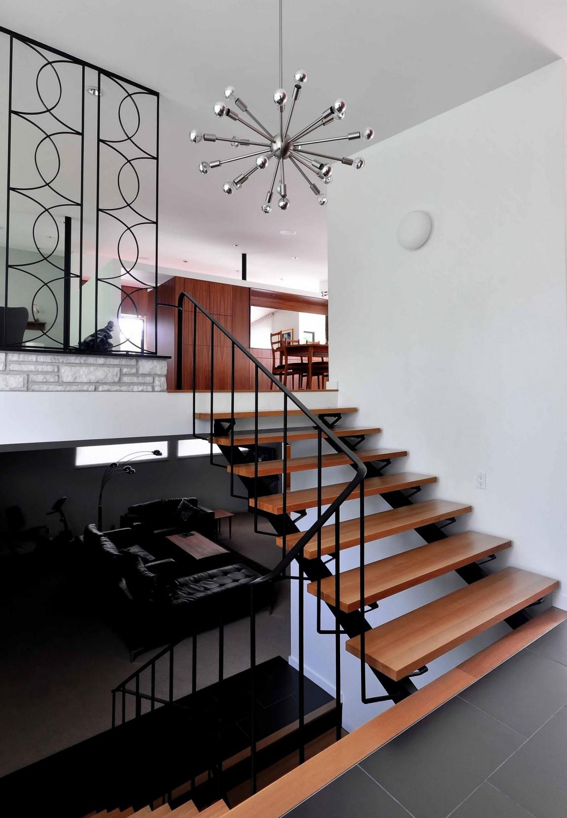 Деревянная лестница в интерьере - Фото 44