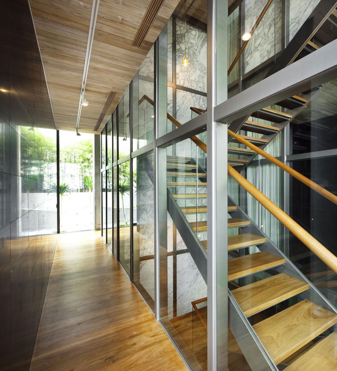Деревянная лестница в интерьере - Фото 47