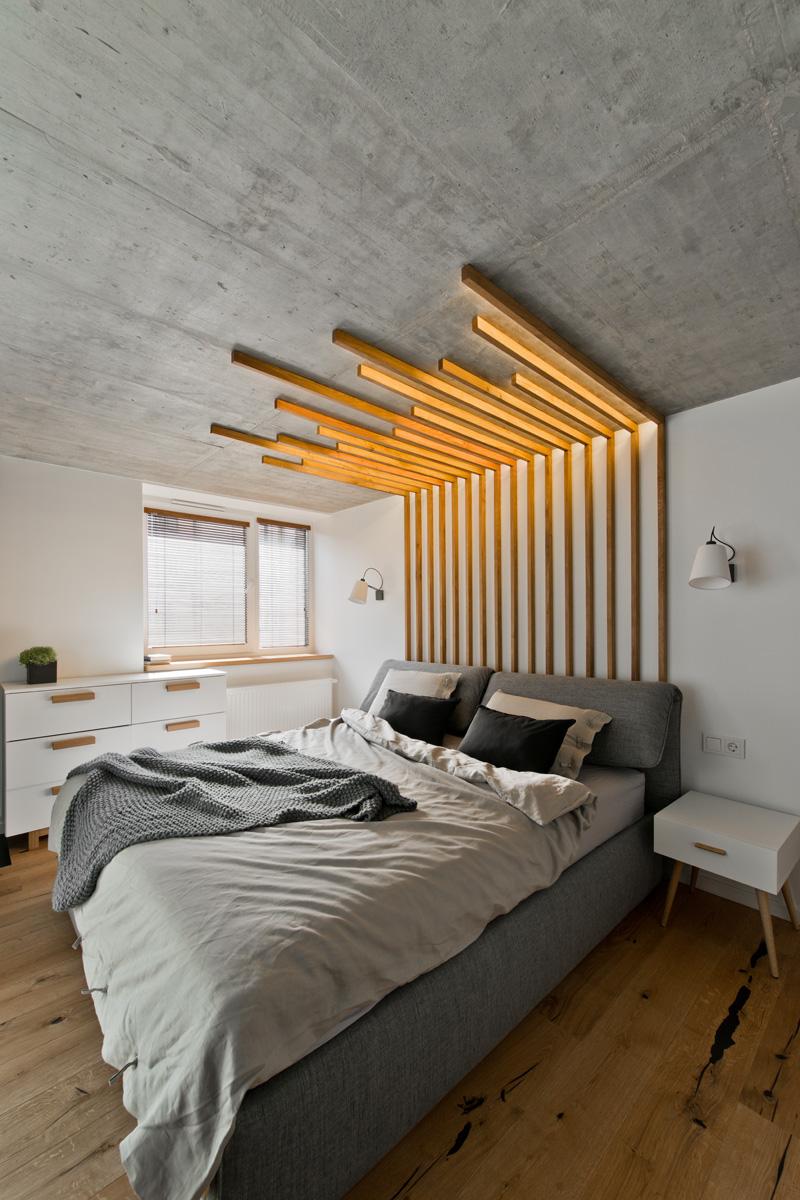 Деревянный декор стен с подсветкой