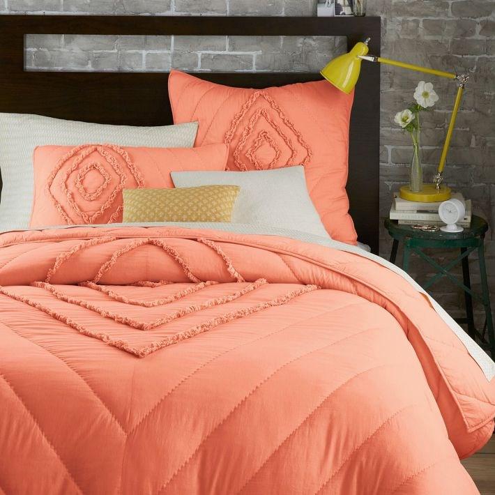 Декоративные детали интерьера - постельное белье