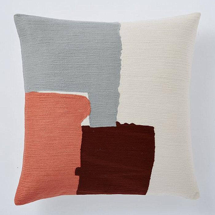 Декоративные детали интерьера - узор на подушке