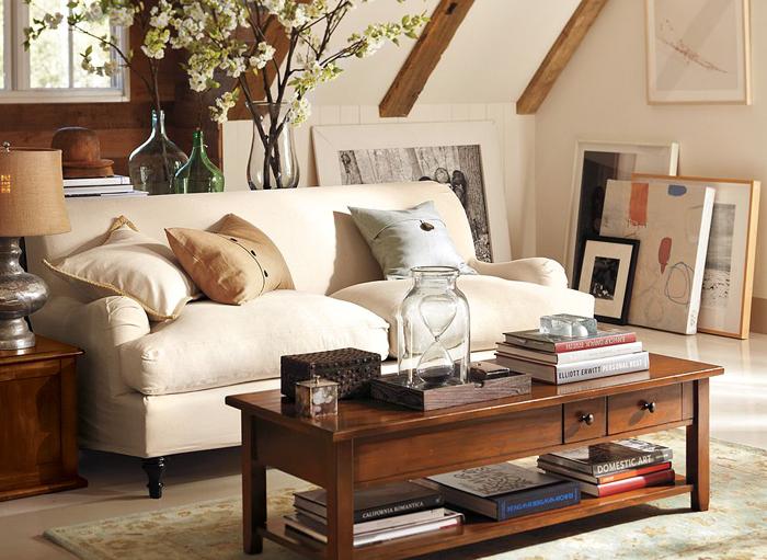 Диваны в дизайне интерьера: Английский диван с закруглёнными подлокотниками