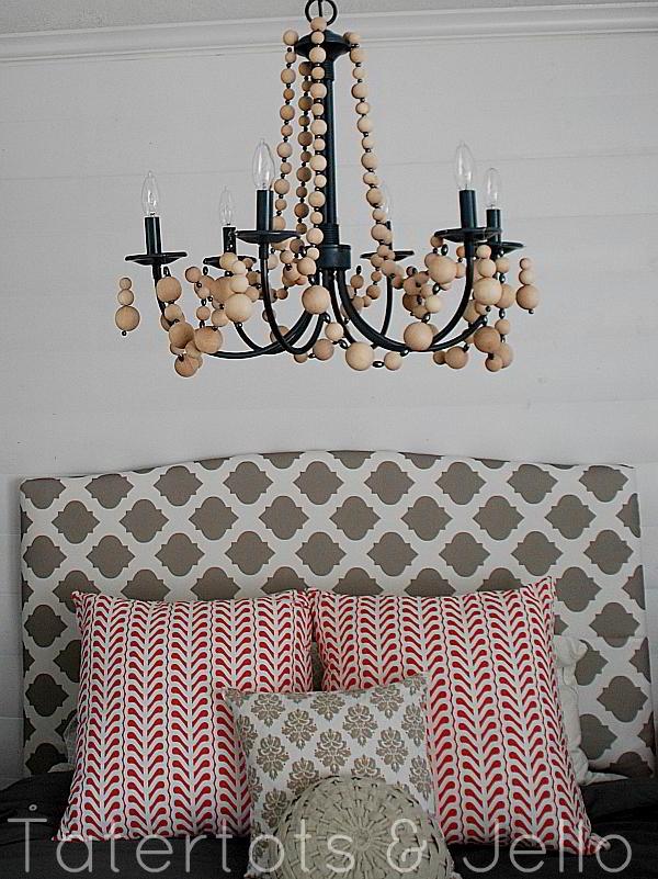 Изысканный подвесной светильник в интерьере