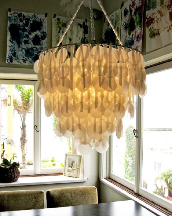 Необычный подвесной светильник в интерьере