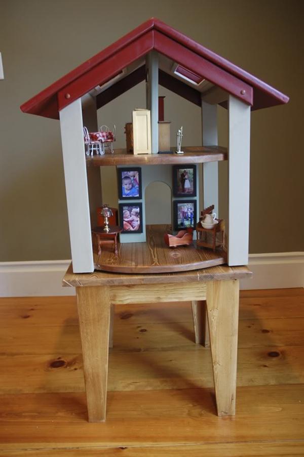 Чудесный кукольный домик для детей