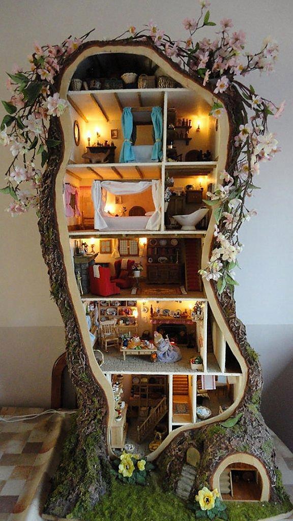 Роскошный кукольный домик для детей