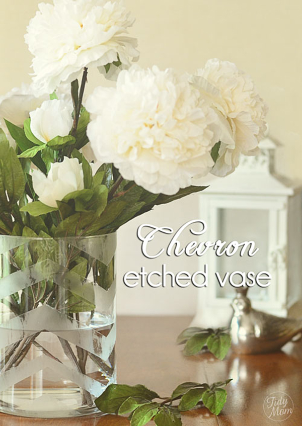 Красивая и модная ваза для цветов