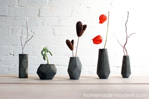 Яркая и модная ваза для цветов