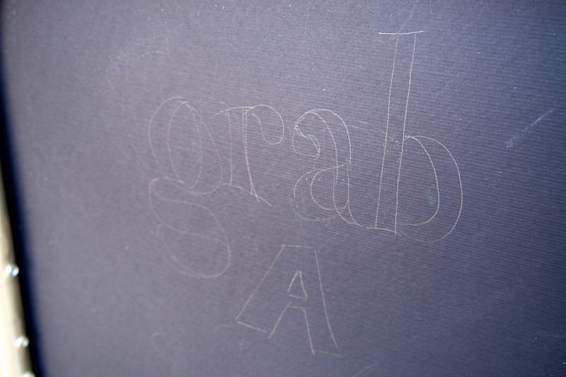Надпись на сиденье