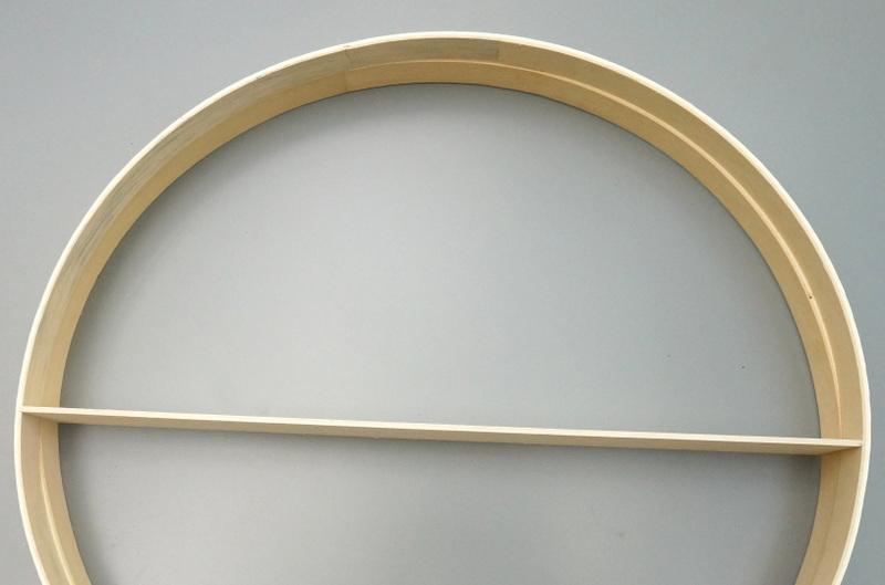 Стильные элементы круглой полки