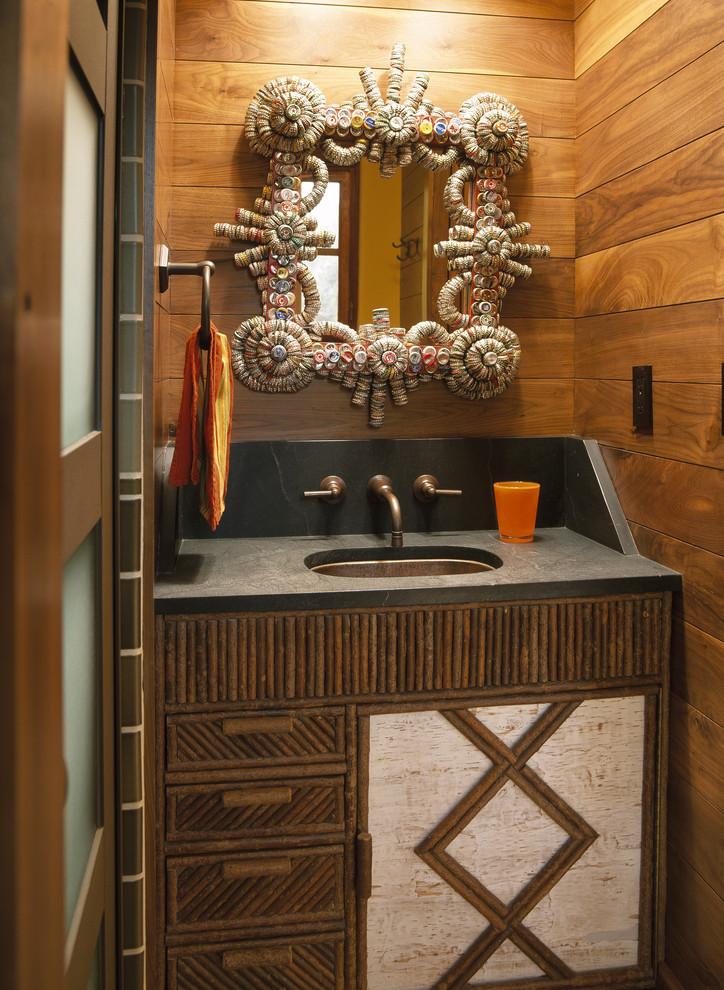 Оригинальное зеркало в стиле барокко