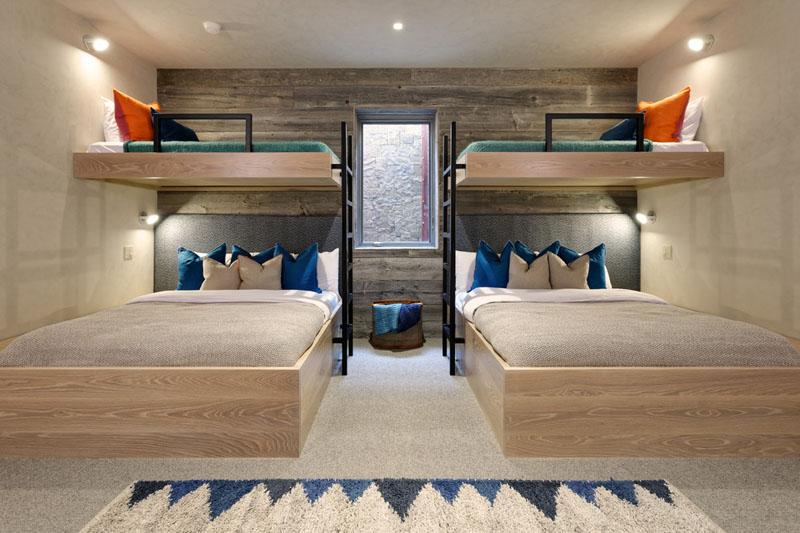 Дизайн интерьера большой спальни в скандинавском стиле