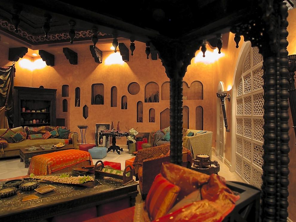 Роскошный интерьер комнаты в индийском стиле
