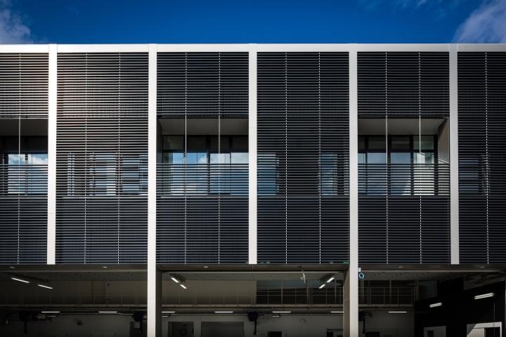 Минималистский дизайн фасада выставочного пространства - Фото 3