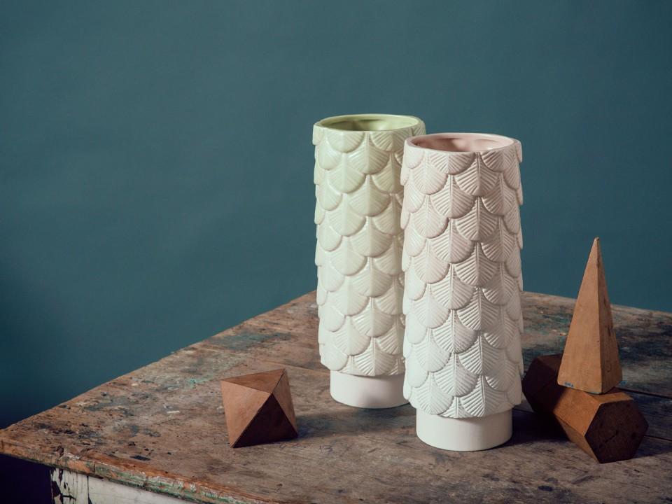 Кристины Селестино: вазы с узором в виде перьев