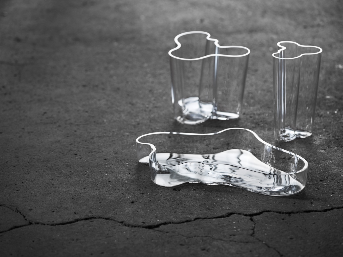 Дизайнер с мировым именем Алвар Аалто - вазы из стекла