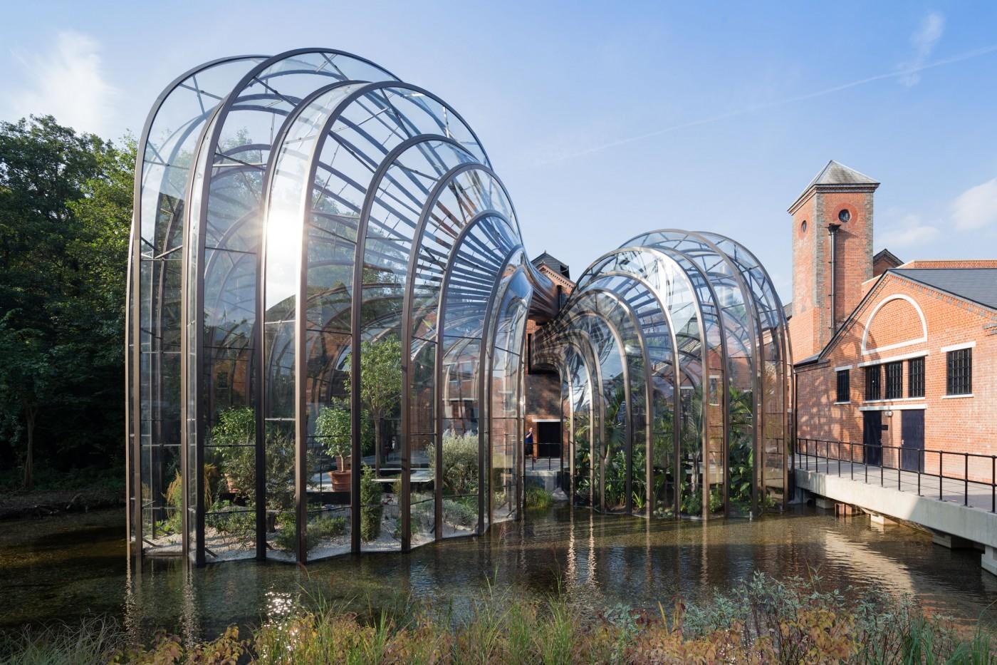 Дизайнер Томас Хетервик: стеклянный павильон в парке