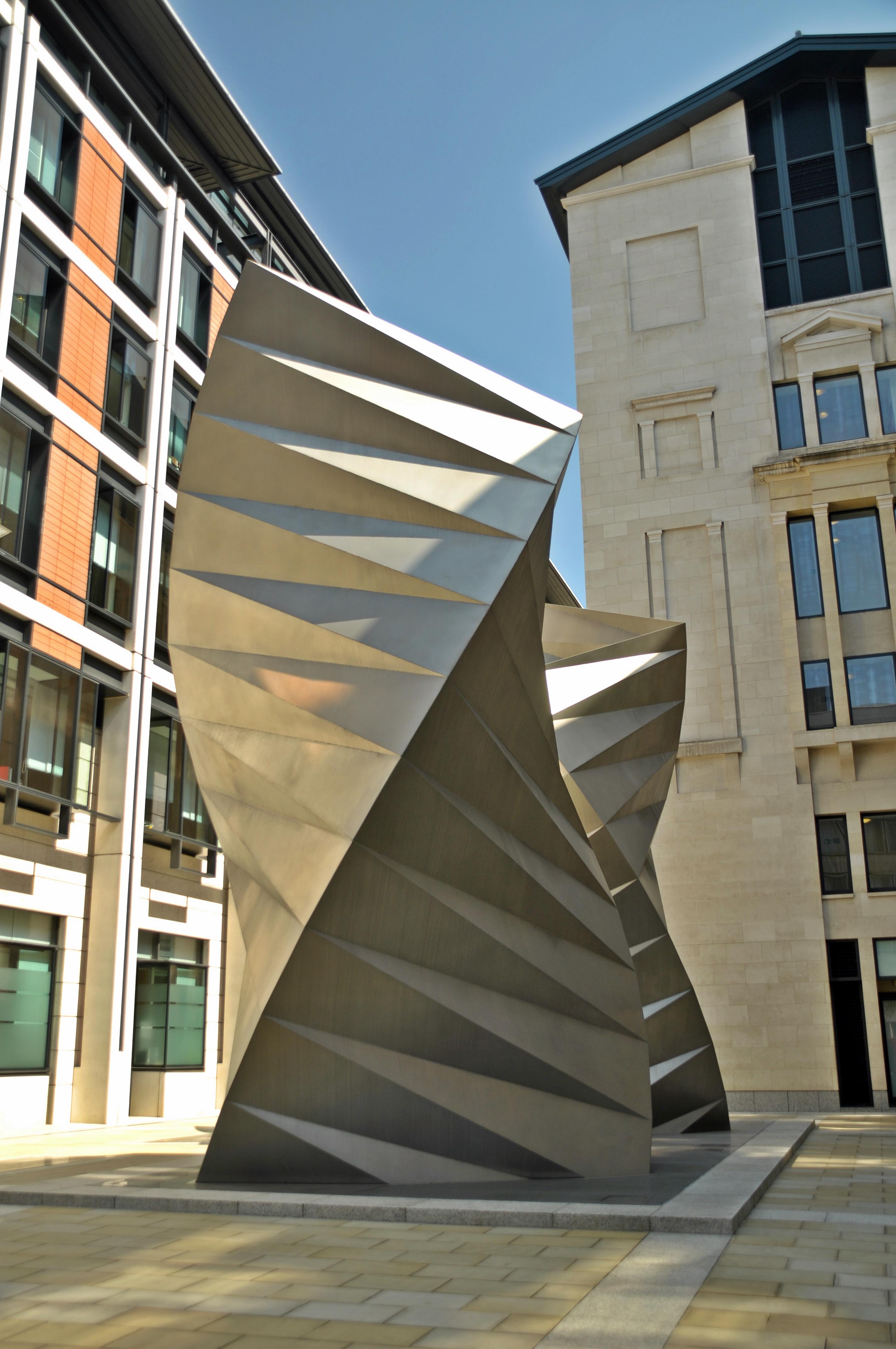 Дизайнер Томас Хетервик: вентиляционные отверстия необычной формы