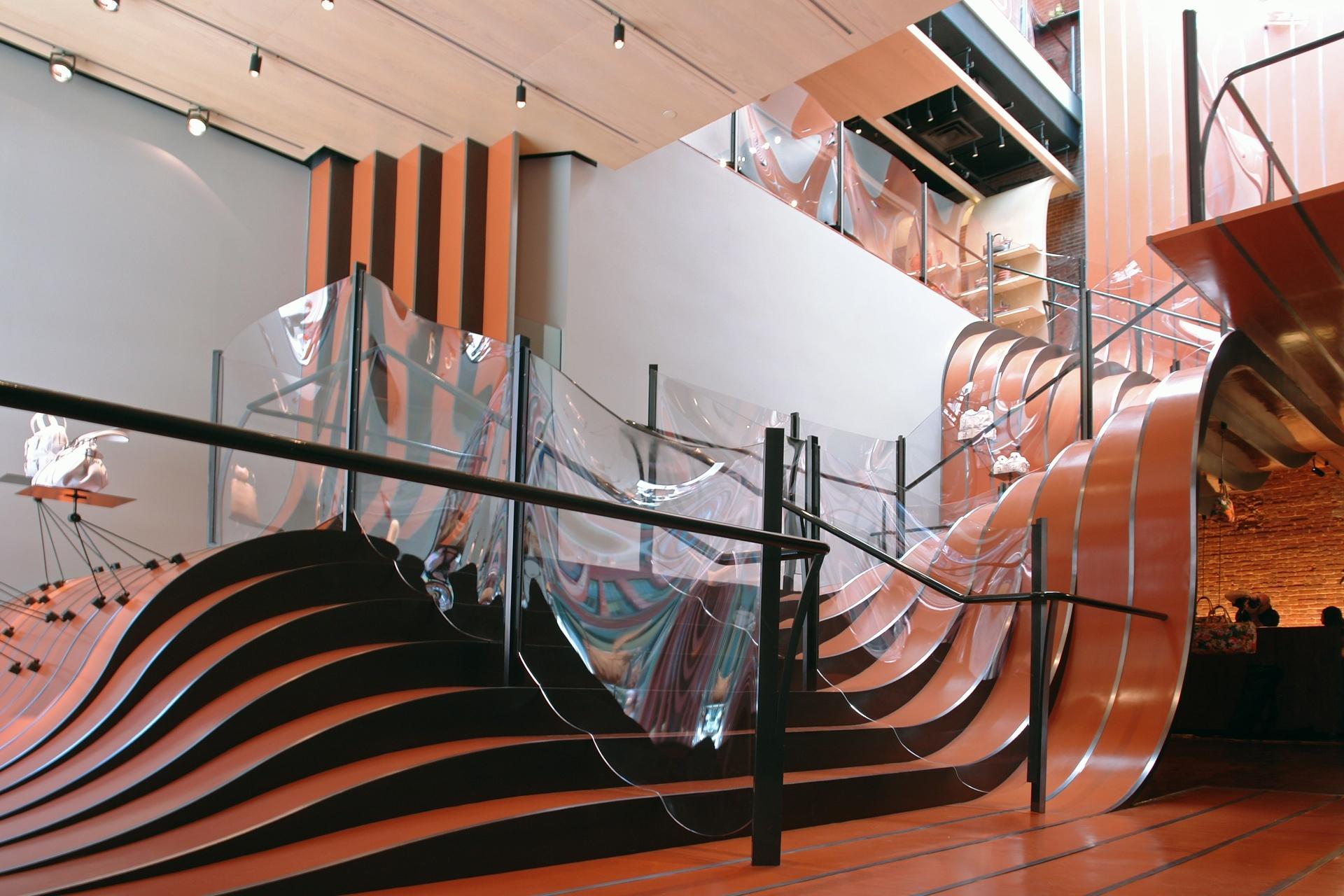 Оранжевая лестница от дизайнера Томаса Хетервика