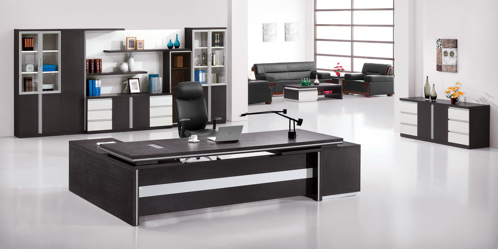 Дизайнерская мебель для офиса в черном цвете