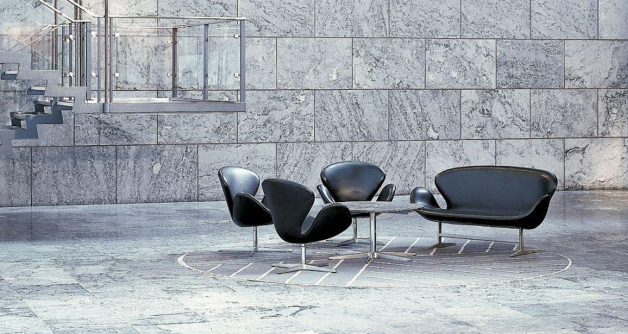 Дизайнерская мебель для офиса - черный диван и кресла изящной формы