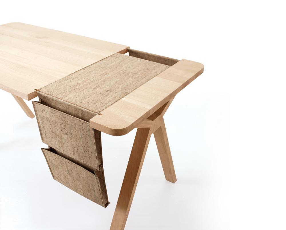 Дизайнерская мебель для офиса - рабочий дубовый стол с сумкой для хранения документов