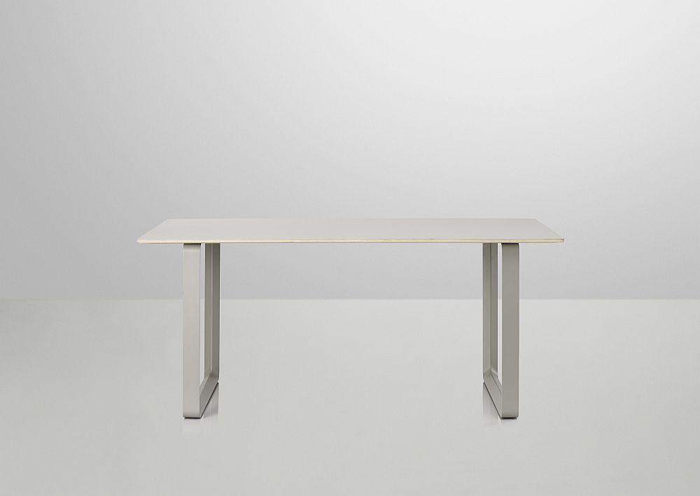 Дизайнерская мебель для офиса - рабочий стол в стиле минимализм