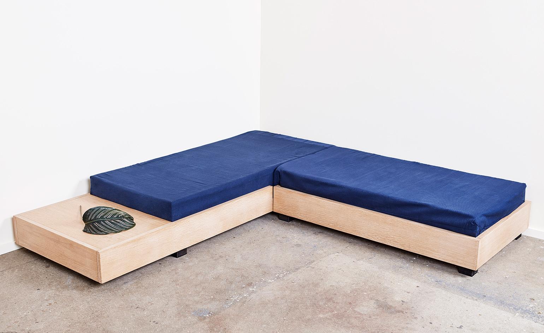 Работа дизайнерского дуэта: диван