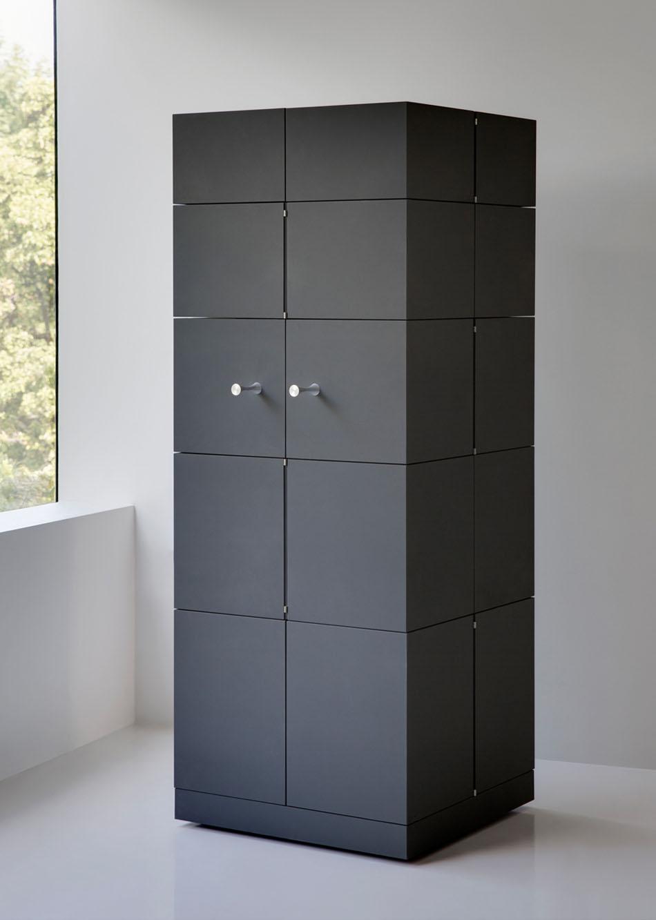 Дизайнерский шкаф в интерьере дома: высота шкафа Cubrick Decanter - 160 см