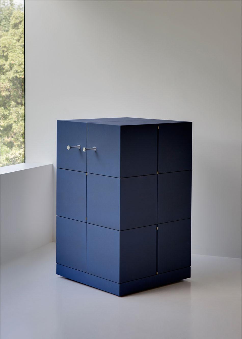 Дизайнерский шкаф в интерьере дома: Cubrick Twelwe