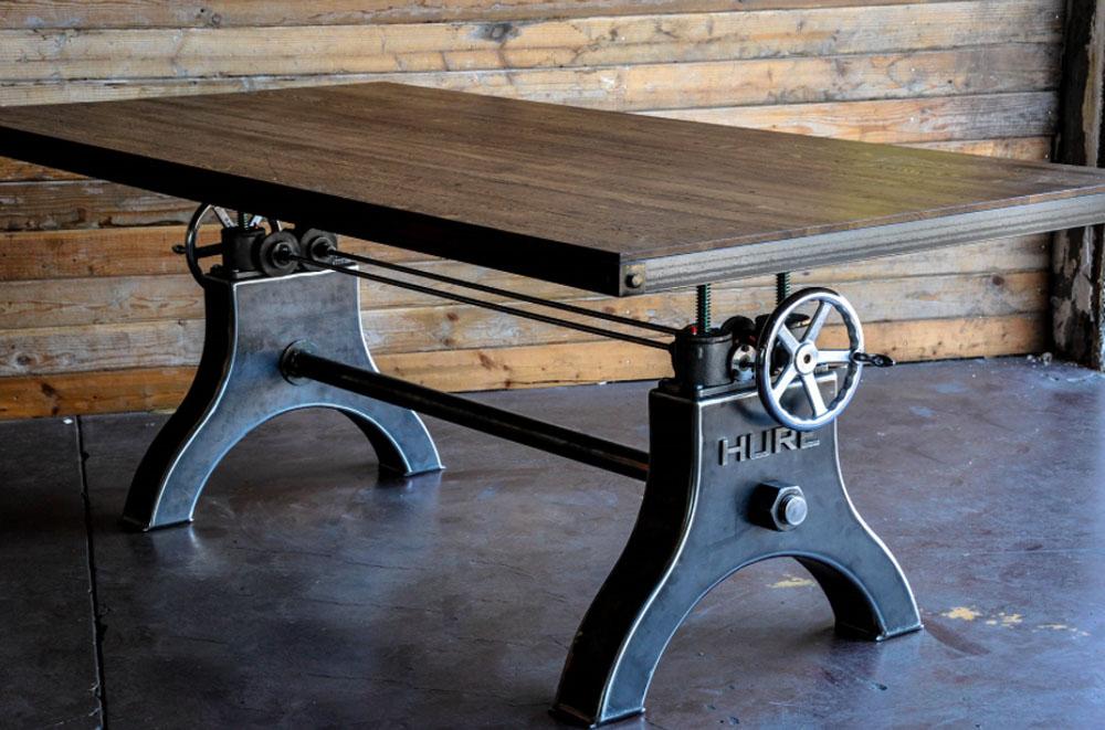 Дизайнерский стол в чёрном цвете со тёмной деревянной столешницей - Фото 2
