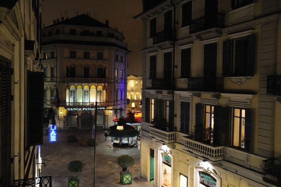 Шикарные апартаменты от архитектора Fabio Fantolino располагаются в самом центре города Turin, Italy