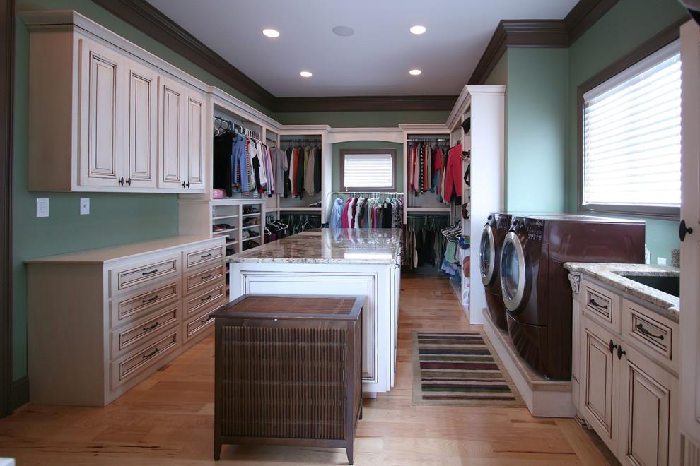 Винтажные шкафы в прачечной
