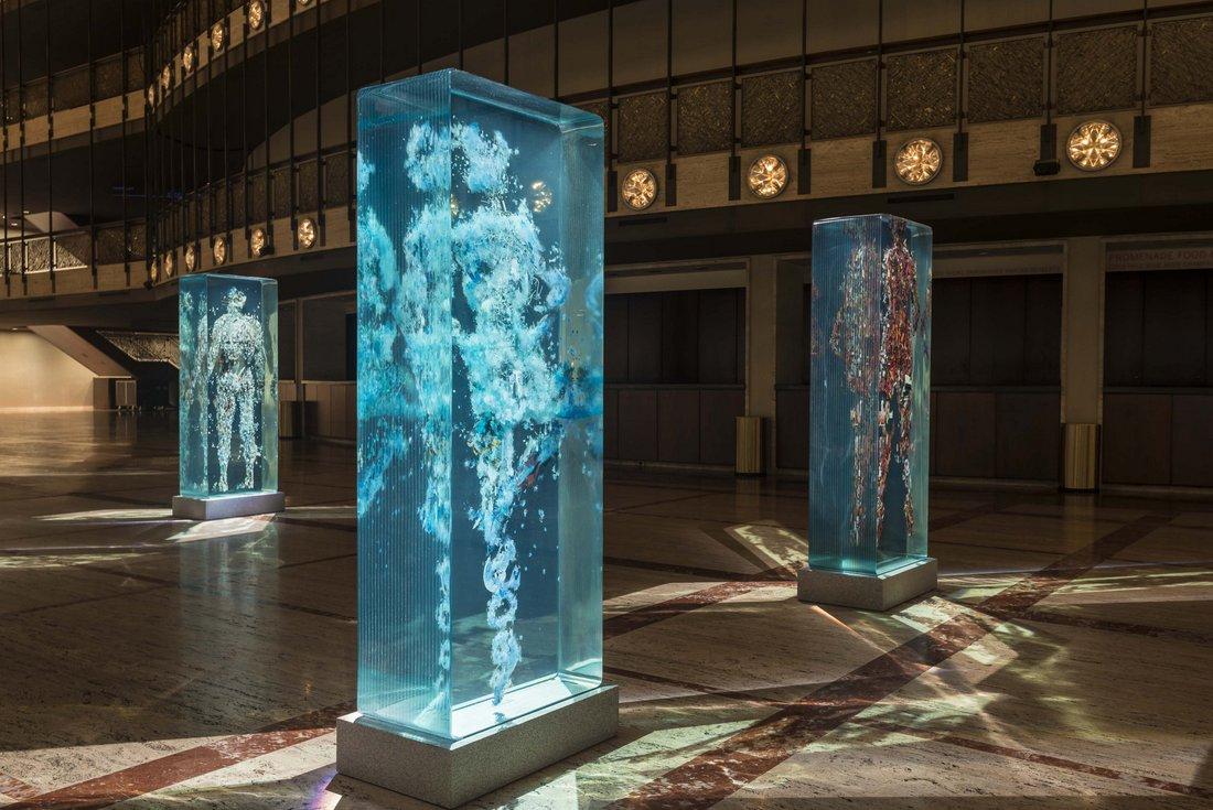 Причудливые стеклянные скульптуры от Дастина Йеллина