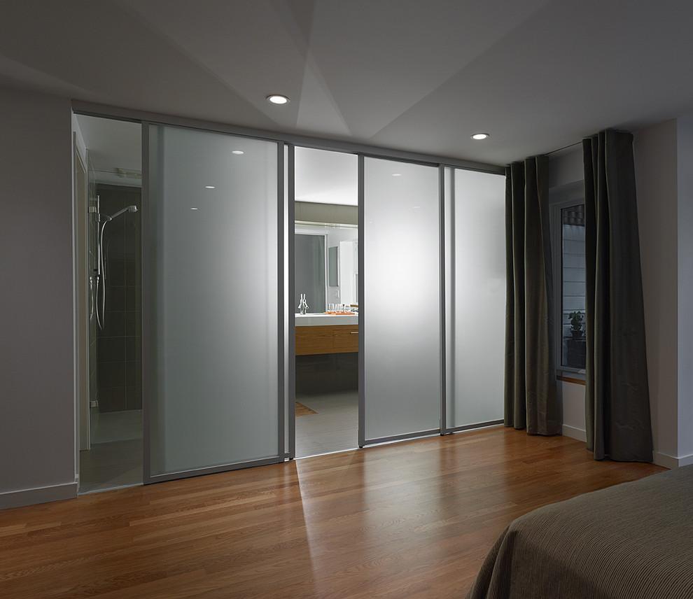 Впечатляющие интерьеры с раздвижными дверями.