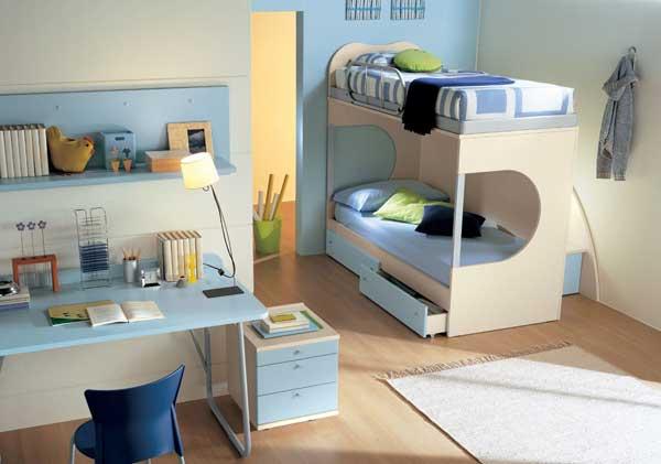 Дизайнерская двухярусная кровать в детской комнате
