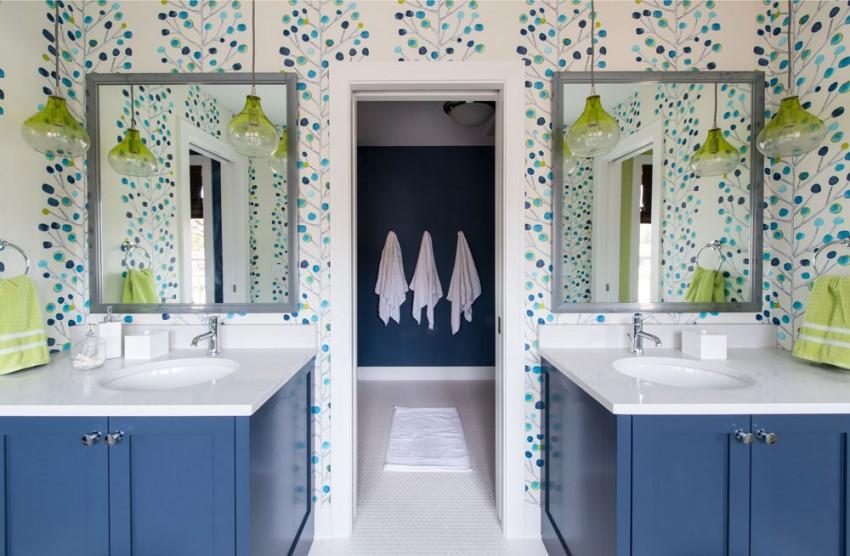 Интерьер эклектичной ванной в светлых тонах