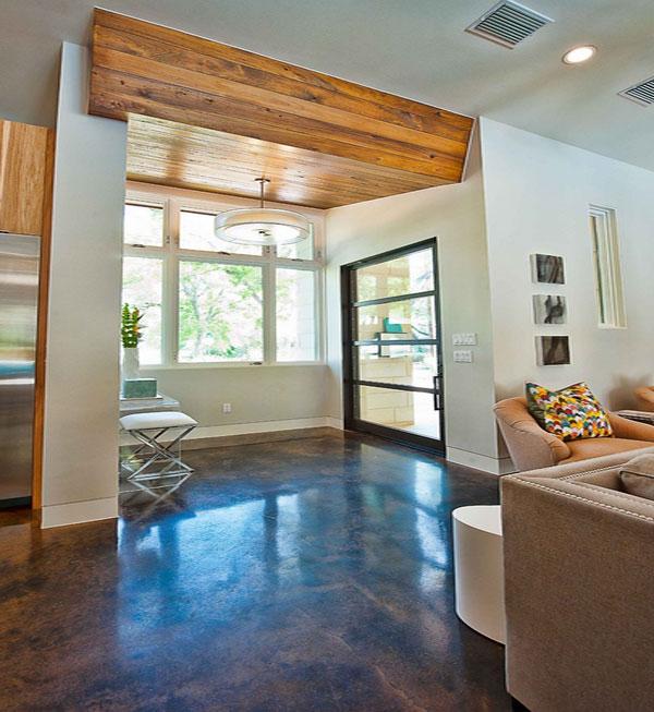 Потолок со встроенной подсветкой в гостиной