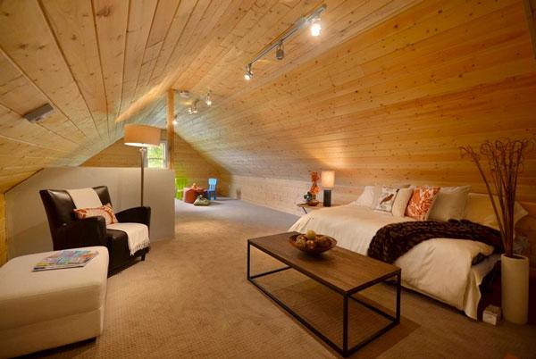 Потолок с подсветкой на чердаке
