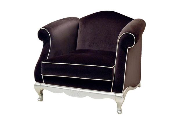 Роскошное велюровое кресло с белой окантовкой