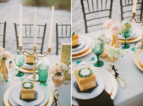 Сервировка свадебного стола с посудой изумрудного цвета
