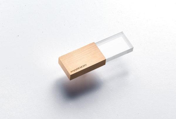 Красивая USB флешка