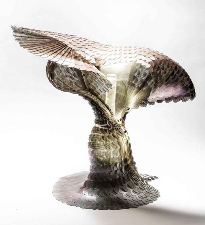 Дизайн лампы разработан компанией Laokoon