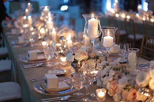Украшение стола цветами и свечами - дизайн интерьера 79