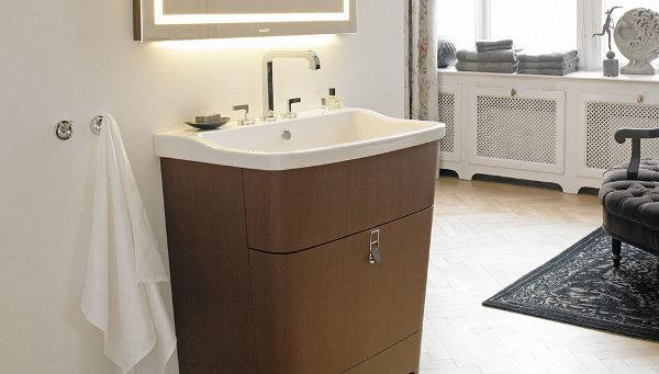 Шкаф ручной работы в ванной