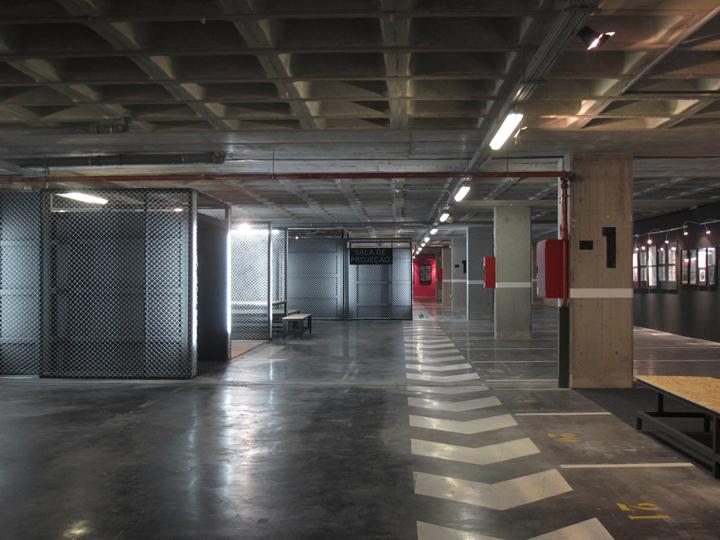 Большая территория выставочного центра