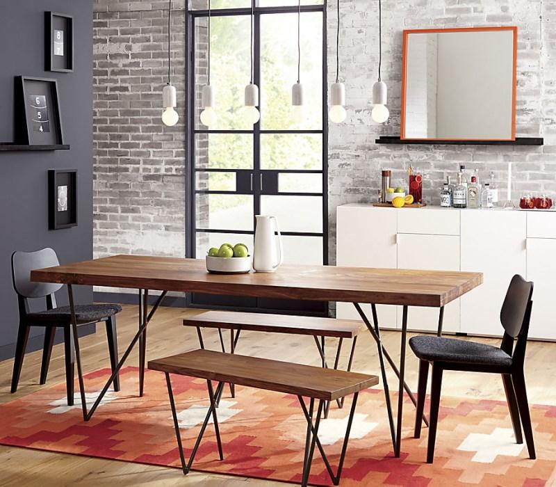 Серые и оранжевые тона в столовой